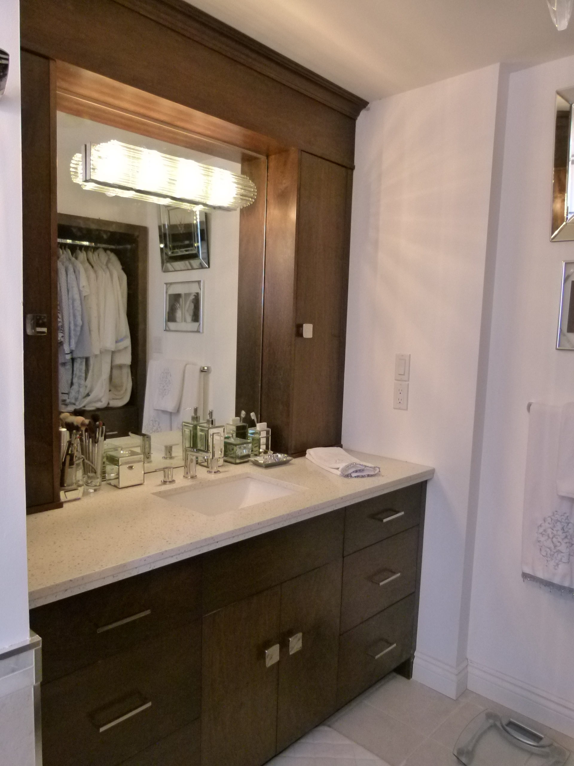 Silhouette Custom Cabinets - Cabinets, Kitchens, Closets ...